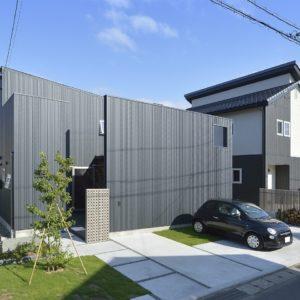 稲田の邸宅